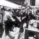 Lietuvos delegacija protestuodama palieka TSRS liaudies deputatų suvažiavimo salę antras J.Olekas